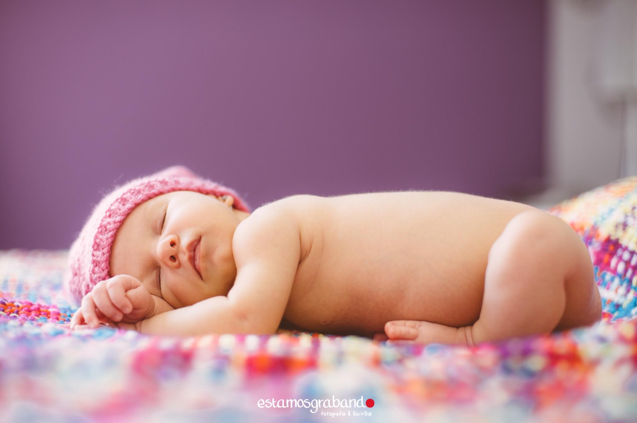 foto-bebe-fotografia-new-born-recien-nacidos-foto-familia-sesion-zahira-15 Zahira, The Baby - video boda cadiz