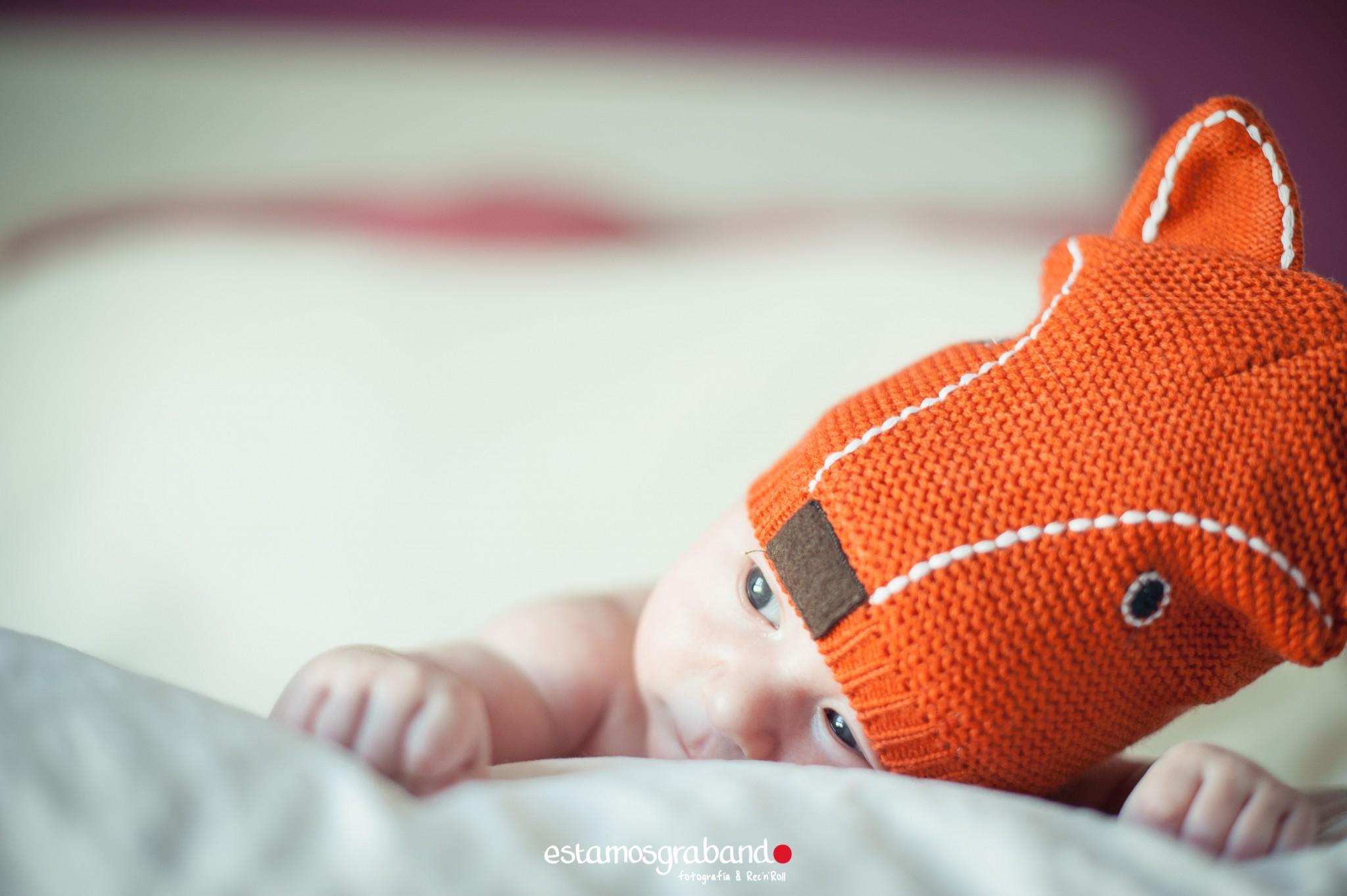 alvaro-baby-sesion-newborn-sesiones-de-bebes-fotos-de-bebes-sesiones-recandrolleras-fotos-de-familia-fotografo-de-familia-fotografo-jerez-28 Inma + Juanlu= Alvarito el Ojitos - video boda cadiz