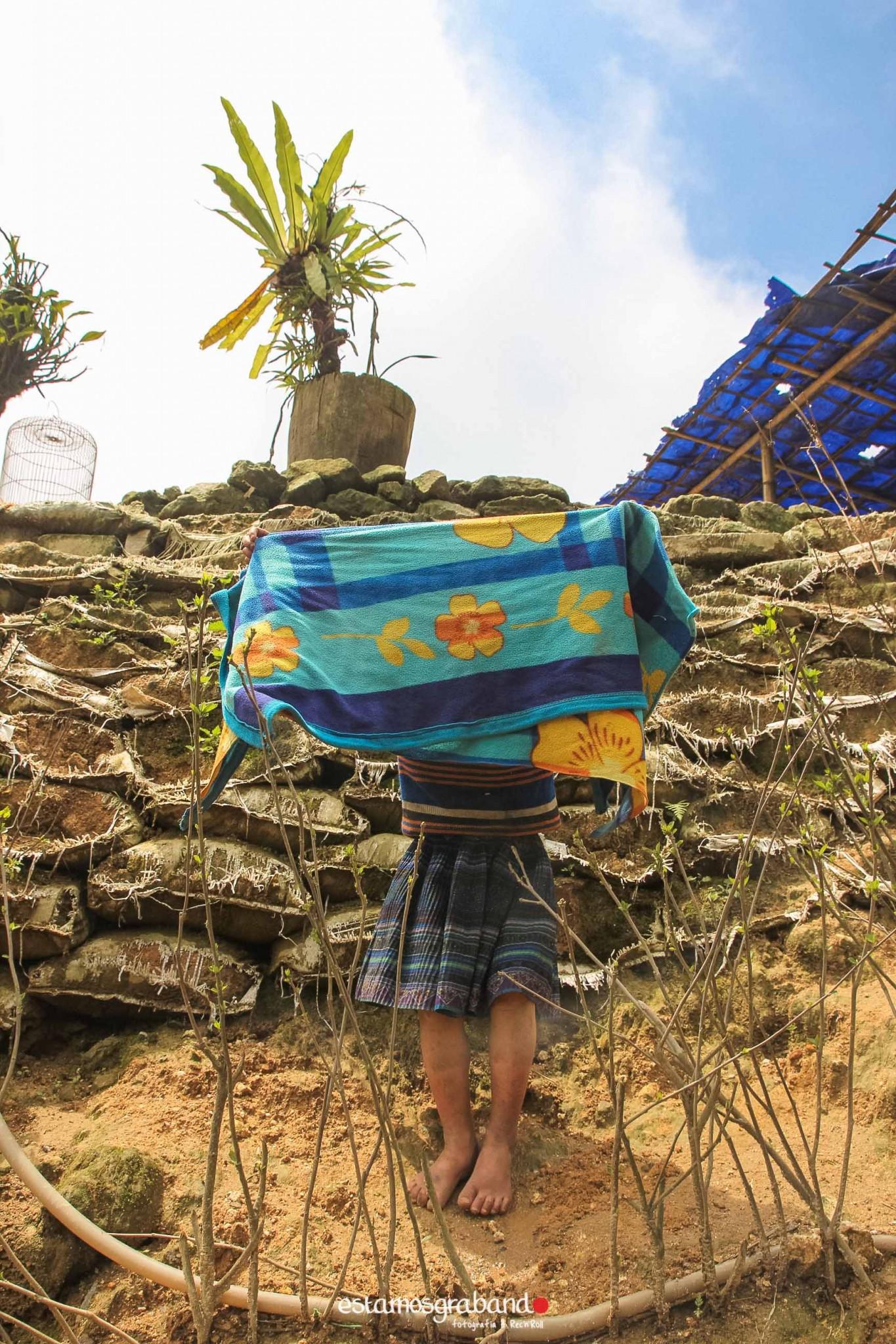 reportaje-vietnam_fotograficc81a-vietnam_estamosgrabando-vietnam_rutasvietnam_reportaje-retratos-fotos-vietnam_fotografia-vietnam_reportaje-estamosgrabando-fotograficc81a-vietnam-13 Pequeños grandes recuerdos de Vietnam en 100 imágenes - video boda cadiz