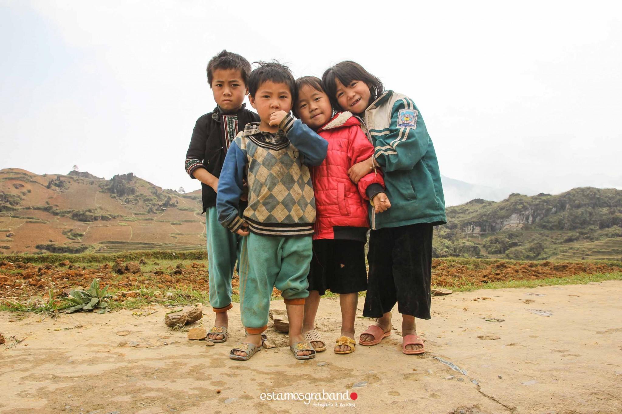 reportaje-vietnam_fotograficc81a-vietnam_estamosgrabando-vietnam_rutasvietnam_reportaje-retratos-fotos-vietnam_fotografia-vietnam_reportaje-estamosgrabando-fotograficc81a-vietnam-27 Pequeños grandes recuerdos de Vietnam en 100 imágenes - video boda cadiz