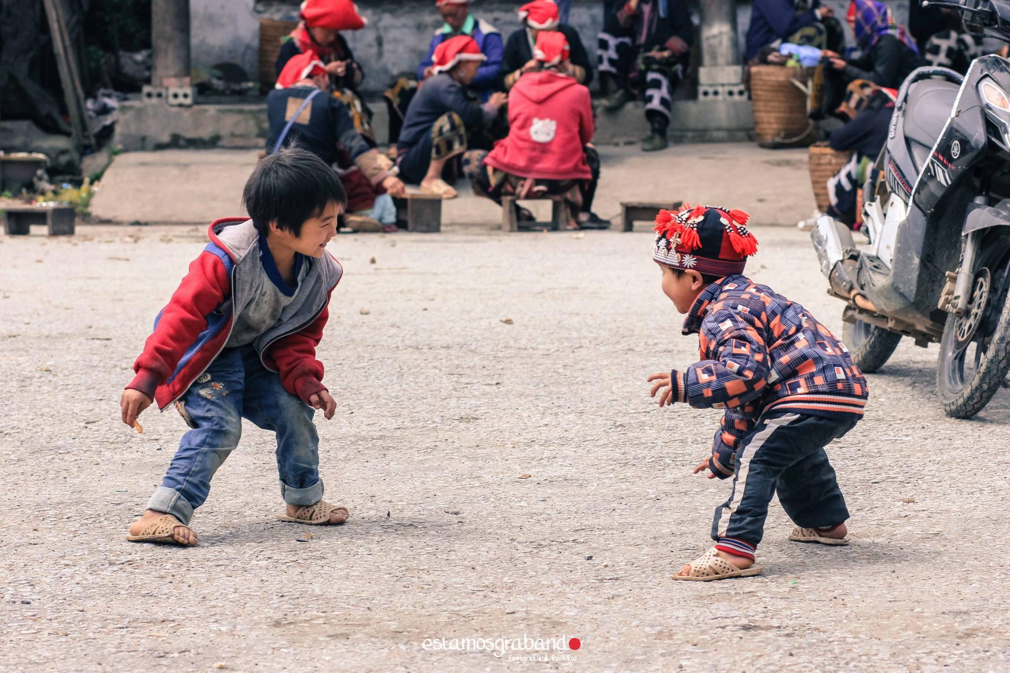 reportaje-vietnam_fotograficc81a-vietnam_estamosgrabando-vietnam_rutasvietnam_reportaje-retratos-fotos-vietnam_fotografia-vietnam_reportaje-estamosgrabando-fotograficc81a-vietnam-32 Pequeños grandes recuerdos de Vietnam en 100 imágenes - video boda cadiz