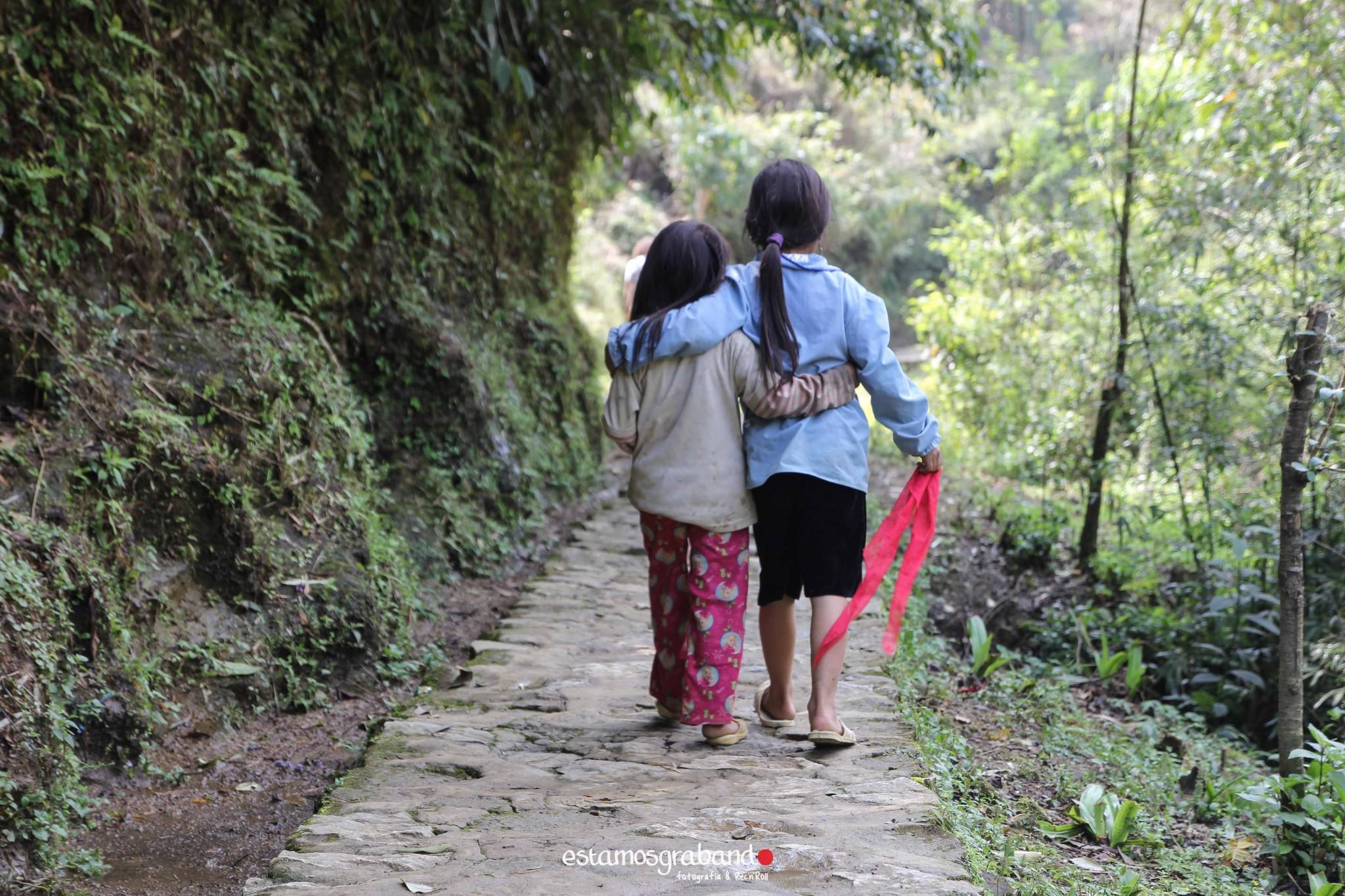 reportaje-vietnam_fotograficc81a-vietnam_estamosgrabando-vietnam_rutasvietnam_reportaje-retratos-fotos-vietnam_fotografia-vietnam_reportaje-estamosgrabando-fotograficc81a-vietnam-33 Pequeños grandes recuerdos de Vietnam en 100 imágenes - video boda cadiz
