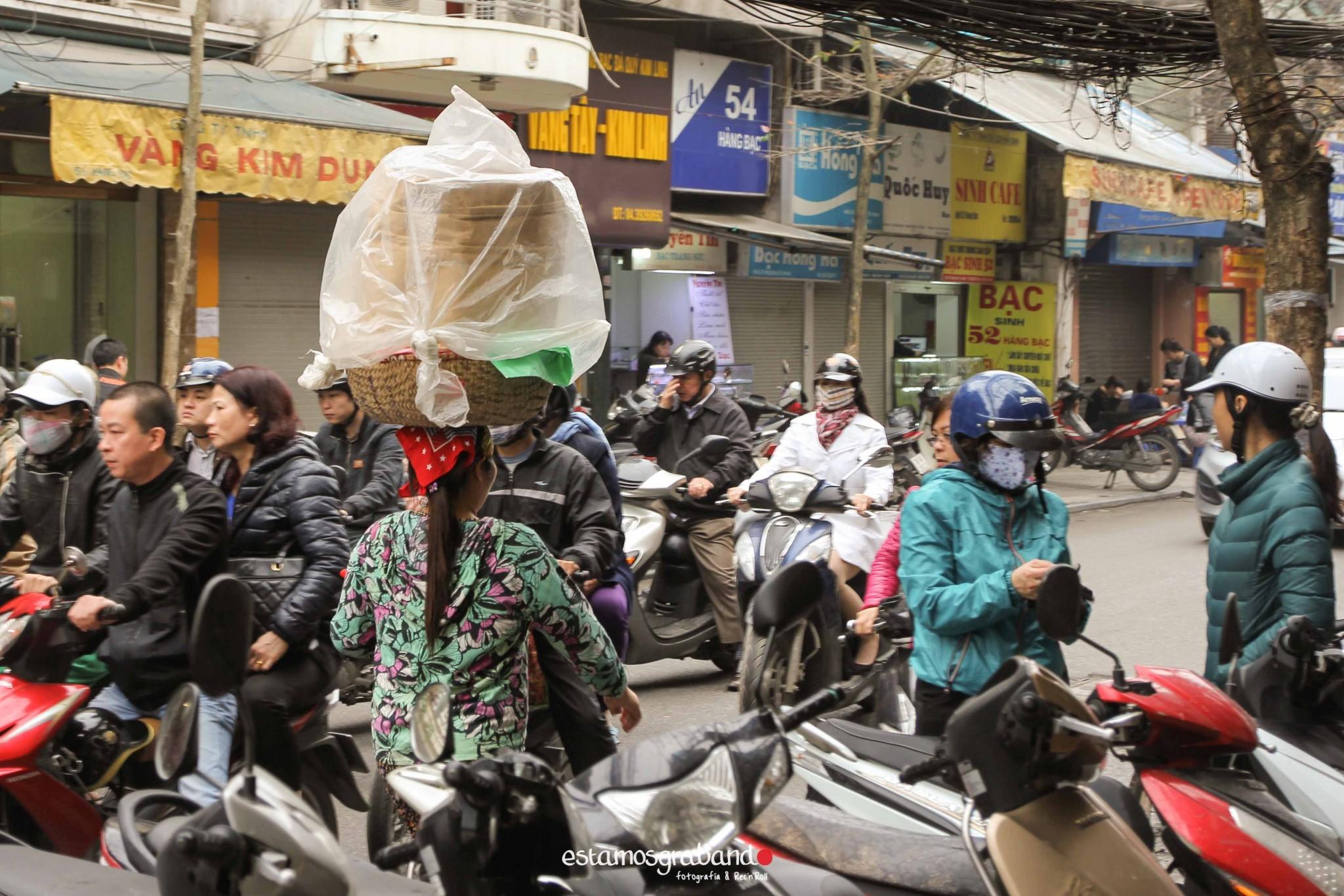 reportaje-vietnam_fotograficc81a-vietnam_estamosgrabando-vietnam_rutasvietnam_reportaje-retratos-fotos-vietnam_fotografia-vietnam_reportaje-estamosgrabando-fotograficc81a-vietnam-36 Pequeños grandes recuerdos de Vietnam en 100 imágenes - video boda cadiz