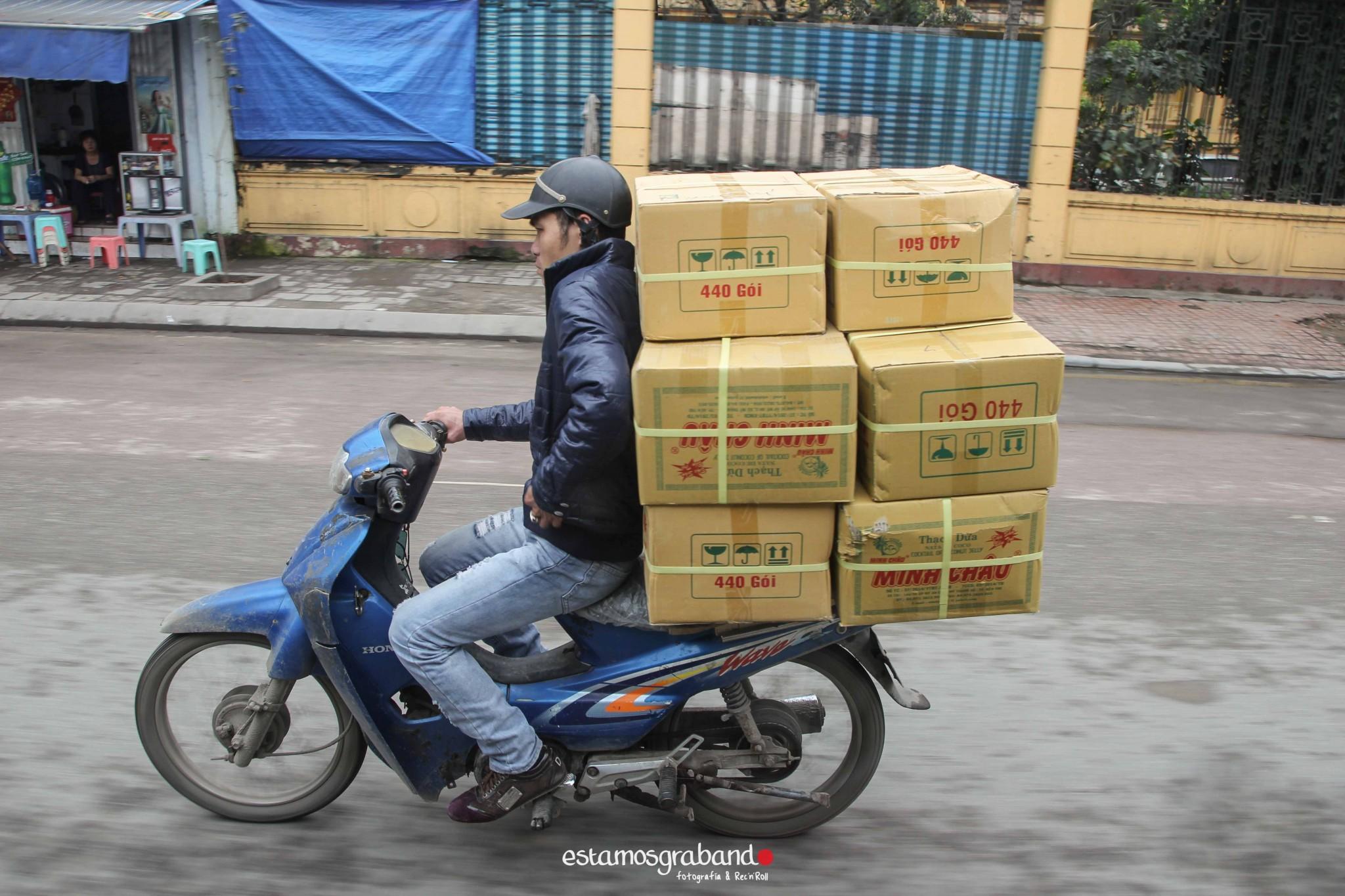 reportaje-vietnam_fotograficc81a-vietnam_estamosgrabando-vietnam_rutasvietnam_reportaje-retratos-fotos-vietnam_fotografia-vietnam_reportaje-estamosgrabando-fotograficc81a-vietnam-37 Pequeños grandes recuerdos de Vietnam en 100 imágenes - video boda cadiz