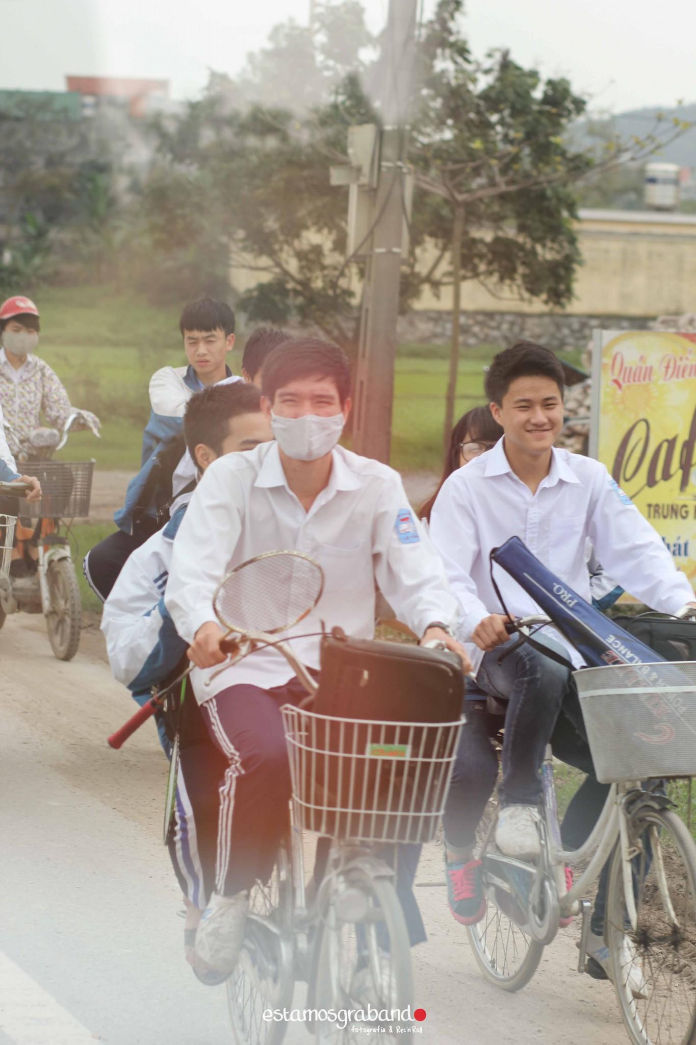 reportaje-vietnam_fotograficc81a-vietnam_estamosgrabando-vietnam_rutasvietnam_reportaje-retratos-fotos-vietnam_fotografia-vietnam_reportaje-estamosgrabando-fotograficc81a-vietnam-45 Pequeños grandes recuerdos de Vietnam en 100 imágenes - video boda cadiz