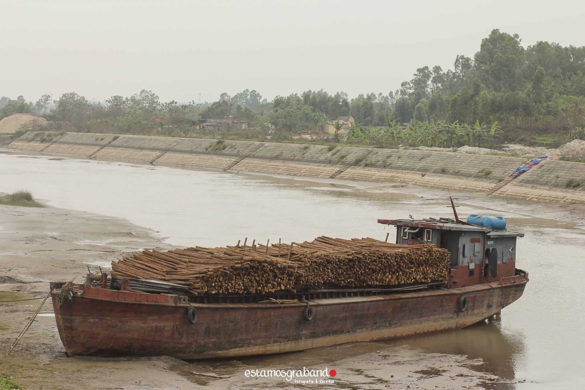 reportaje-vietnam_fotograficc81a-vietnam_estamosgrabando-vietnam_rutasvietnam_reportaje-retratos-fotos-vietnam_fotografia-vietnam_reportaje-estamosgrabando-fotograficc81a-vietnam-48 Pequeños grandes recuerdos de Vietnam en 100 imágenes - video boda cadiz