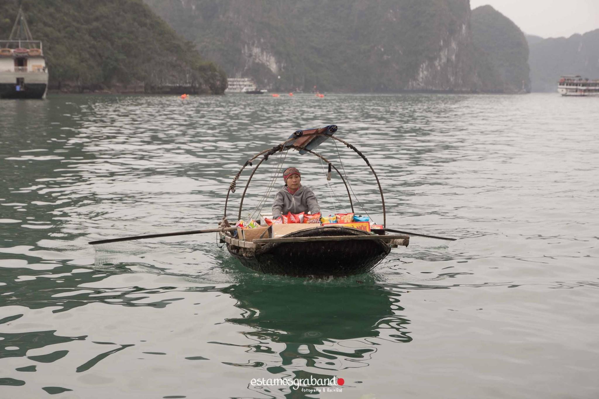 reportaje-vietnam_fotograficc81a-vietnam_estamosgrabando-vietnam_rutasvietnam_reportaje-retratos-fotos-vietnam_fotografia-vietnam_reportaje-estamosgrabando-fotograficc81a-vietnam-64 Pequeños grandes recuerdos de Vietnam en 100 imágenes - video boda cadiz