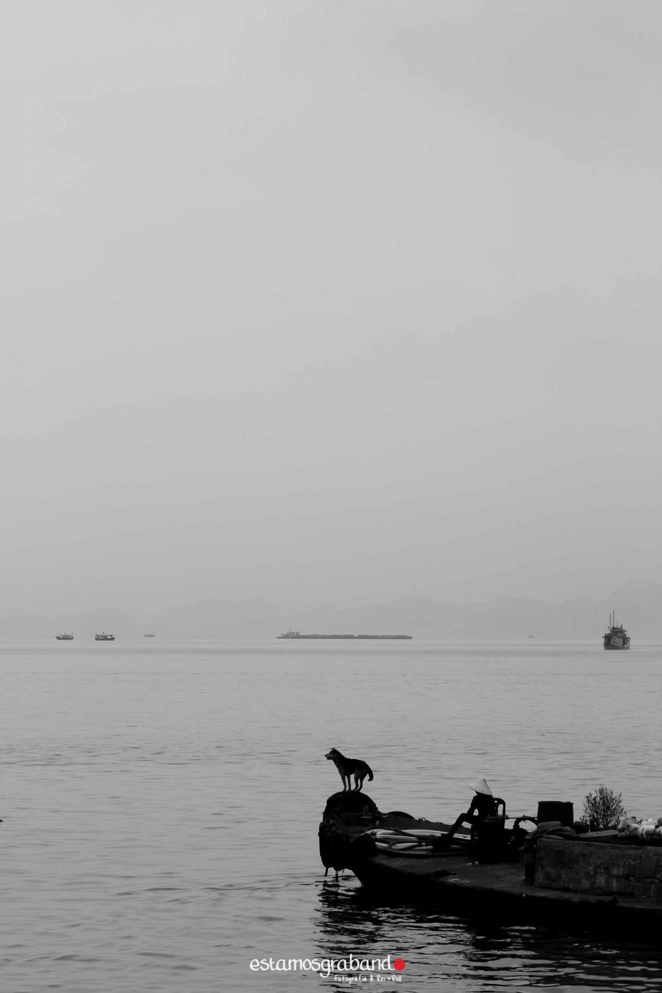 reportaje-vietnam_fotograficc81a-vietnam_estamosgrabando-vietnam_rutasvietnam_reportaje-retratos-fotos-vietnam_fotografia-vietnam_reportaje-estamosgrabando-fotograficc81a-vietnam-69 Pequeños grandes recuerdos de Vietnam en 100 imágenes - video boda cadiz