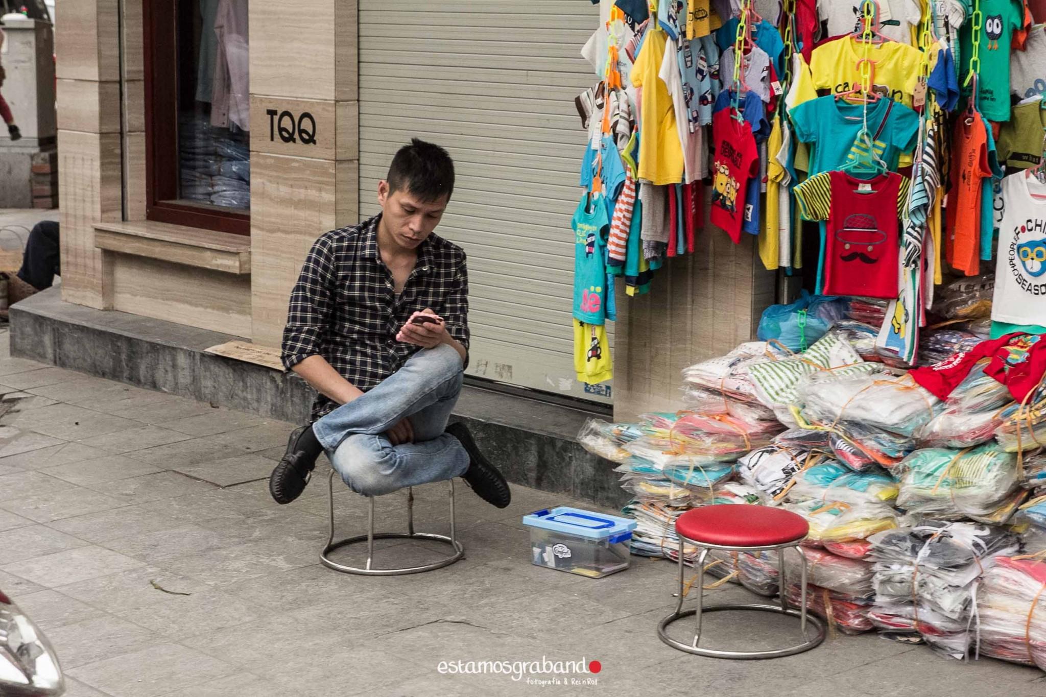 reportaje-vietnam_fotograficc81a-vietnam_estamosgrabando-vietnam_rutasvietnam_reportaje-retratos-fotos-vietnam_fotografia-vietnam_reportaje-estamosgrabando-fotograficc81a-vietnam-70 Pequeños grandes recuerdos de Vietnam en 100 imágenes - video boda cadiz