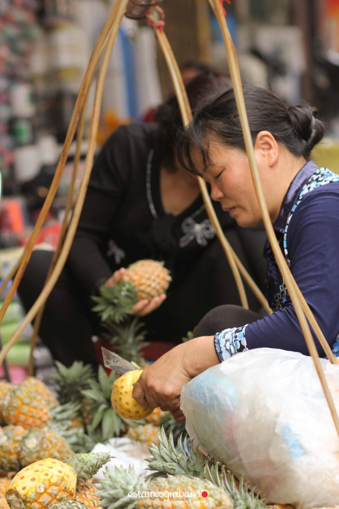 reportaje-vietnam_fotograficc81a-vietnam_estamosgrabando-vietnam_rutasvietnam_reportaje-retratos-fotos-vietnam_fotografia-vietnam_reportaje-estamosgrabando-fotograficc81a-vietnam-74 Pequeños grandes recuerdos de Vietnam en 100 imágenes - video boda cadiz