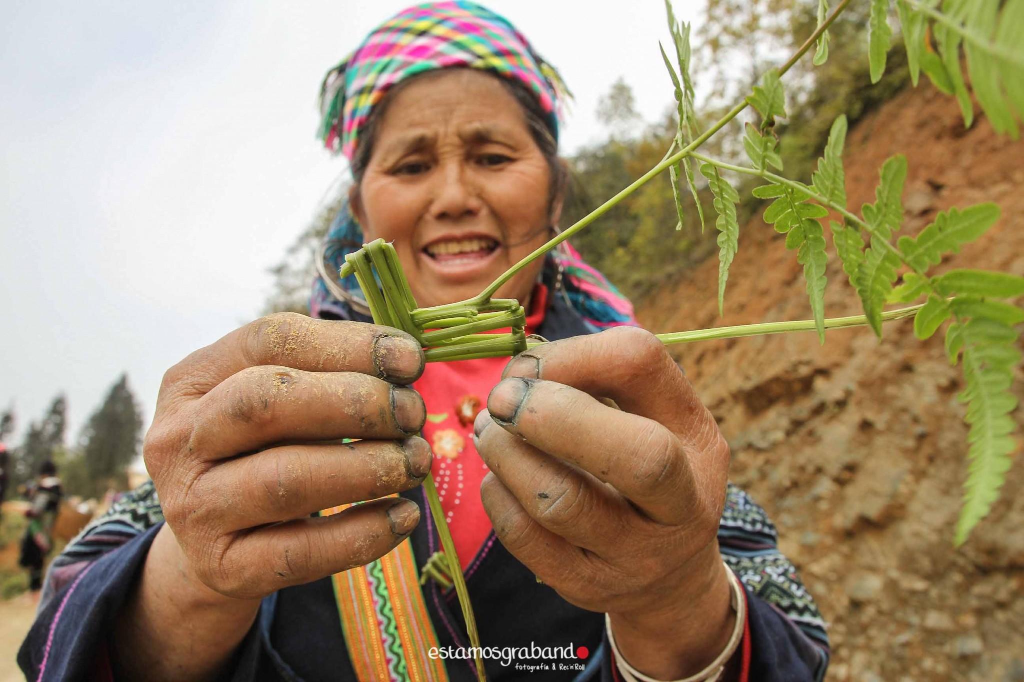 reportaje-vietnam_fotograficc81a-vietnam_estamosgrabando-vietnam_rutasvietnam_reportaje-retratos-fotos-vietnam_fotografia-vietnam_reportaje-estamosgrabando-fotograficc81a-vietnam-8 Pequeños grandes recuerdos de Vietnam en 100 imágenes - video boda cadiz