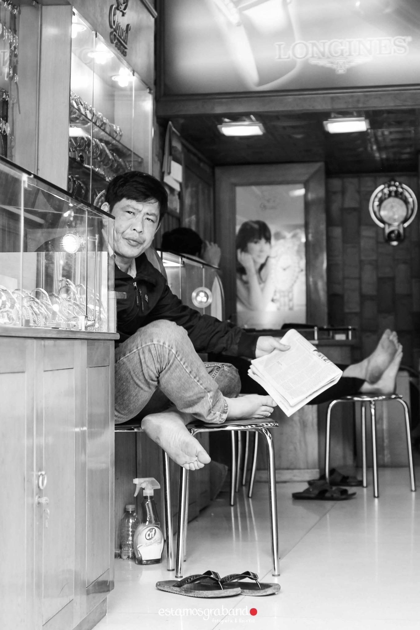 reportaje-vietnam_fotograficc81a-vietnam_estamosgrabando-vietnam_rutasvietnam_reportaje-retratos-fotos-vietnam_fotografia-vietnam_reportaje-estamosgrabando-fotograficc81a-vietnam-80 Pequeños grandes recuerdos de Vietnam en 100 imágenes - video boda cadiz