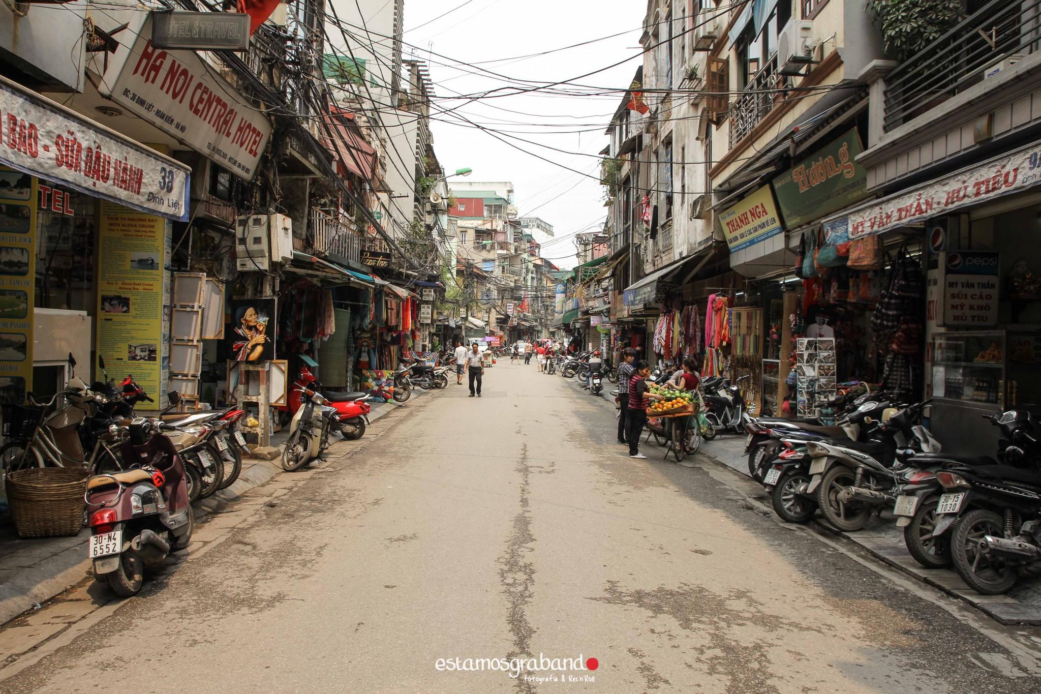 reportaje-vietnam_fotograficc81a-vietnam_estamosgrabando-vietnam_rutasvietnam_reportaje-retratos-fotos-vietnam_fotografia-vietnam_reportaje-estamosgrabando-fotograficc81a-vietnam-81 Pequeños grandes recuerdos de Vietnam en 100 imágenes - video boda cadiz