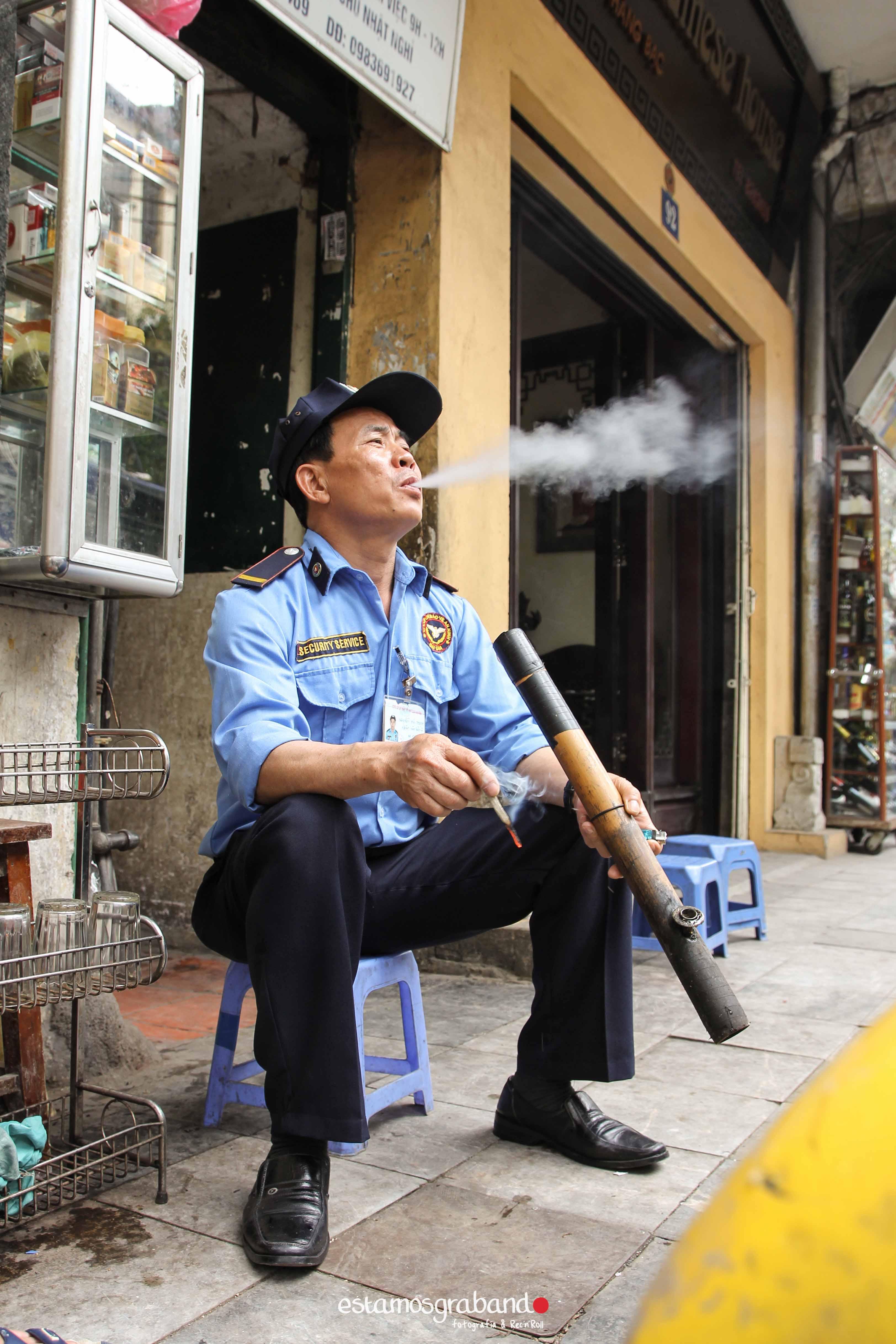 reportaje-vietnam_fotograficc81a-vietnam_estamosgrabando-vietnam_rutasvietnam_reportaje-retratos-fotos-vietnam_fotografia-vietnam_reportaje-estamosgrabando-fotograficc81a-vietnam-83 Pequeños grandes recuerdos de Vietnam en 100 imágenes - video boda cadiz
