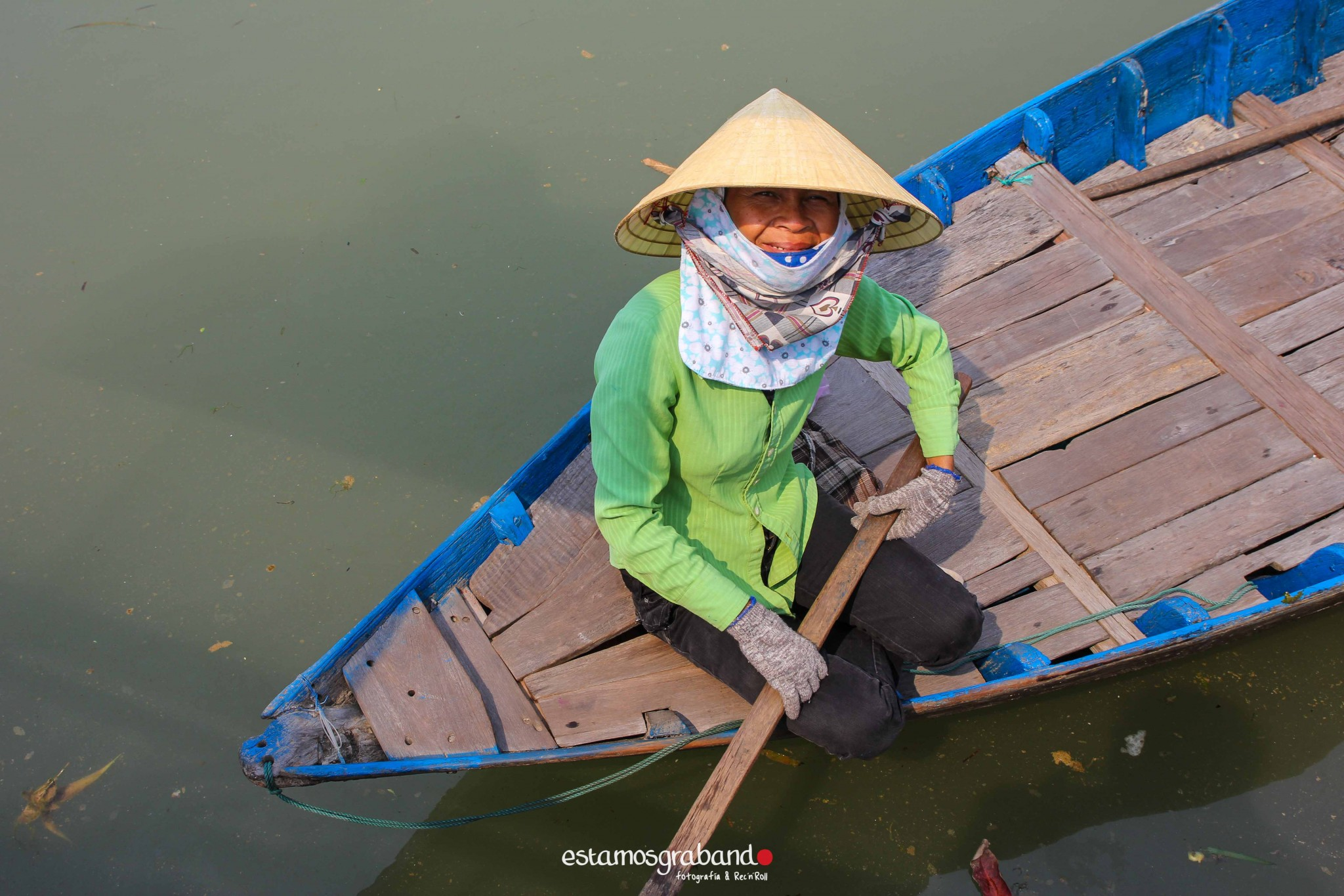 reportaje-vietnam_fotograficc81a-vietnam_estamosgrabando-vietnam_rutasvietnam_reportaje-retratos-fotos-vietnam_fotografia-vietnam_reportaje-estamosgrabando-fotograficc81a-vietnam-84 Pequeños grandes recuerdos de Vietnam en 100 imágenes - video boda cadiz
