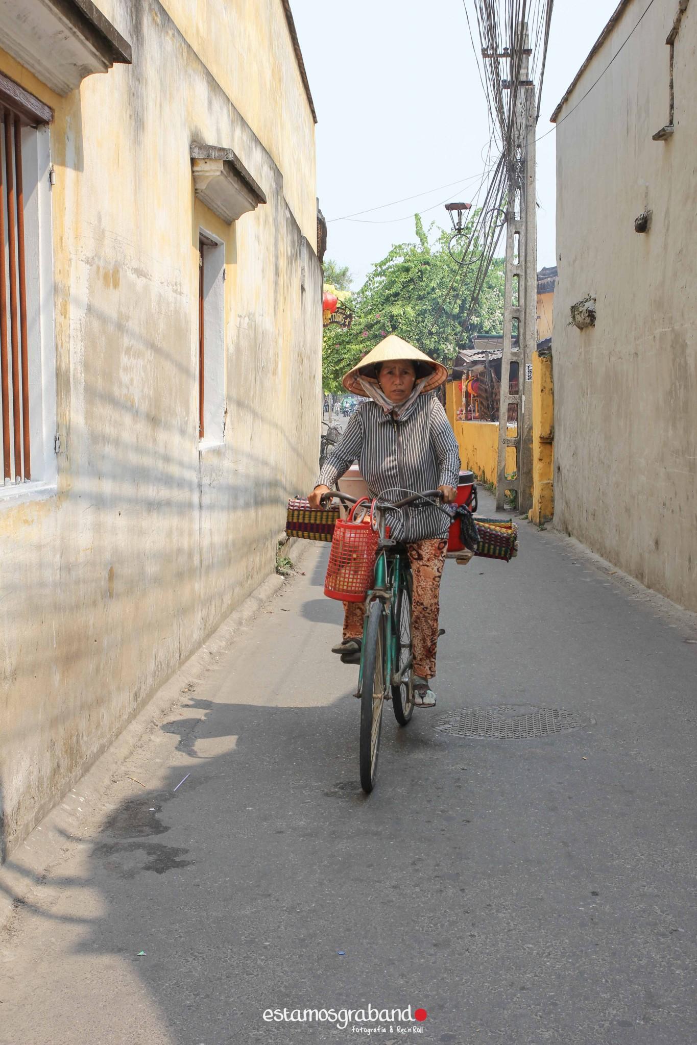 reportaje-vietnam_fotograficc81a-vietnam_estamosgrabando-vietnam_rutasvietnam_reportaje-retratos-fotos-vietnam_fotografia-vietnam_reportaje-estamosgrabando-fotograficc81a-vietnam-87 Pequeños grandes recuerdos de Vietnam en 100 imágenes - video boda cadiz