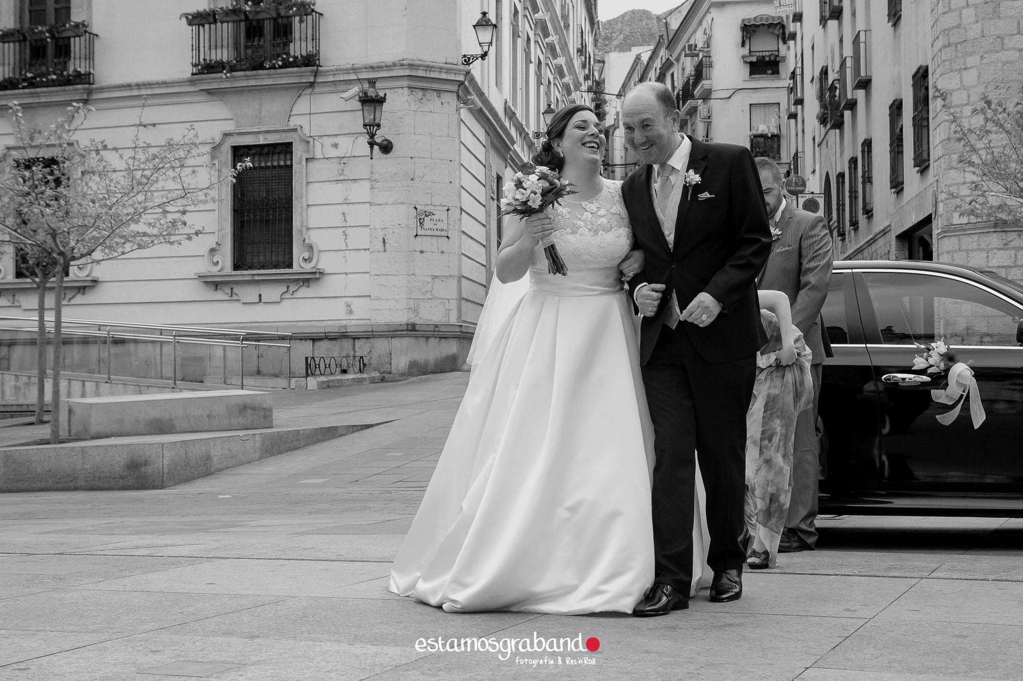 amparo-agustin_fotografia-boda_boda-jaen_jaen-fotografia-bodas_reportaje-boda_reportaje-boda-jaen_fotos-boda_fotos-jaen-19 ¡Alto ahi! [Boda Amparo & Agustín_Fotografía de bodas en Jaén] - video boda cadiz
