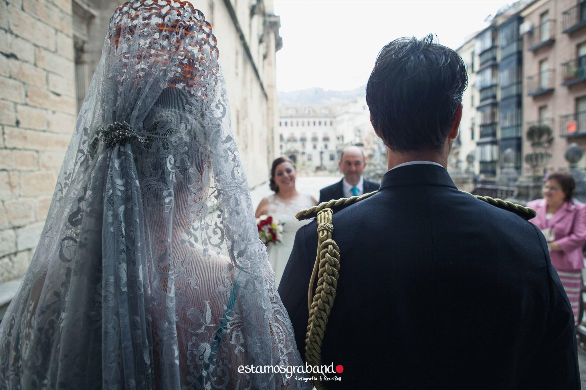 amparo-agustin_fotografia-boda_boda-jaen_jaen-fotografia-bodas_reportaje-boda_reportaje-boda-jaen_fotos-boda_fotos-jaen-221 ¡Alto ahi! [Boda Amparo & Agustín_Fotografía de bodas en Jaén] - video boda cadiz