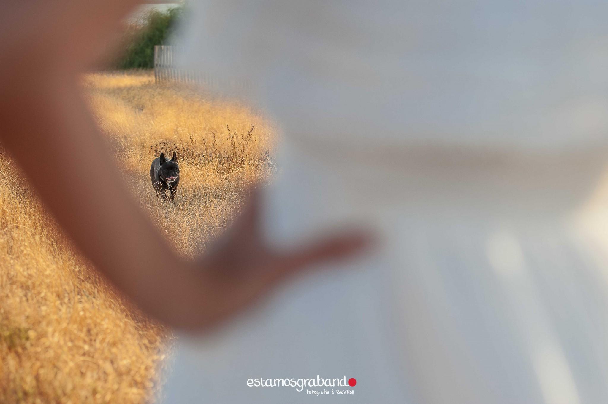 pareja-misteriosa_estamosgrabando-24 Sancti Petri y sus luces [Preboda Raquel & Ale] - video boda cadiz