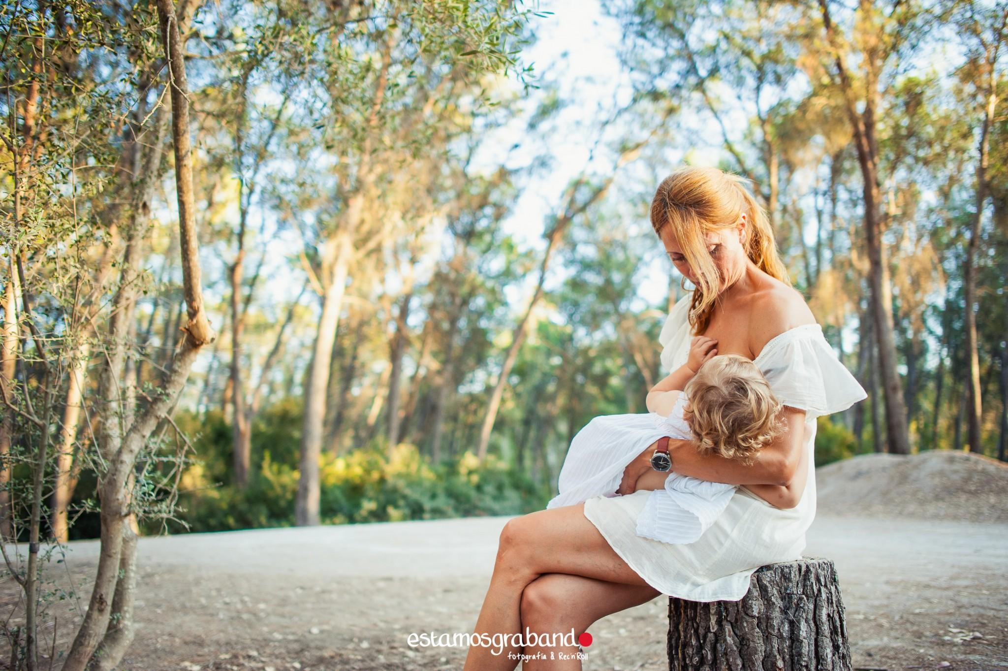 laura-y-candela-sesion-de-familia-sesiones-recandrolleras-estamosgrabando-fotografo-de-familia-jerez-25 Mamá, maestra de secretos - video boda cadiz