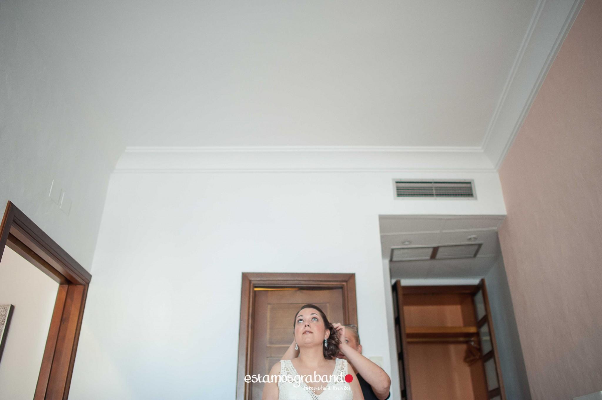 boda-en-chiclana_sonia-y-diego_fotograficc81a-de-boda-26 Zahara Sonia + Diego [Fotografía de Boda en Zahara] - video boda cadiz