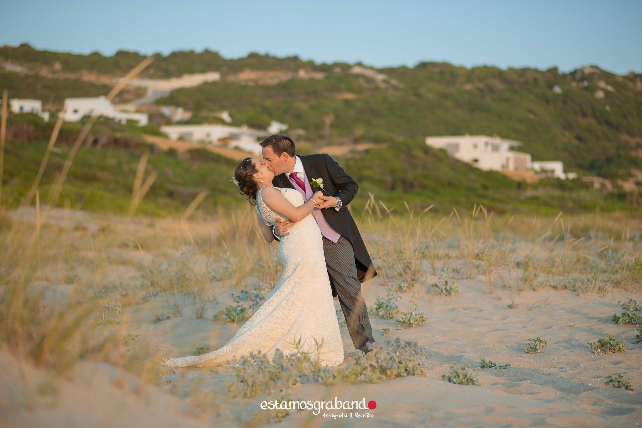 boda-en-chiclana_sonia-y-diego_fotograficc81a-de-boda-60 Zahara Sonia + Diego [Fotografía de Boda en Zahara] - video boda cadiz