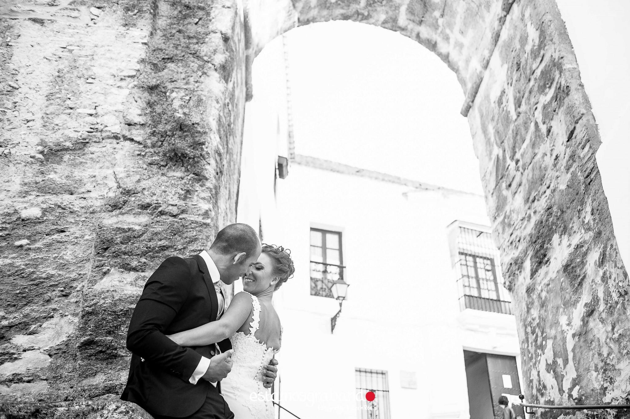 raquel-y-ale_postboda-vejer-11-de-25 Raquel & Ale [Fotografía Postboda en Vejer de la Frontera] - video boda cadiz