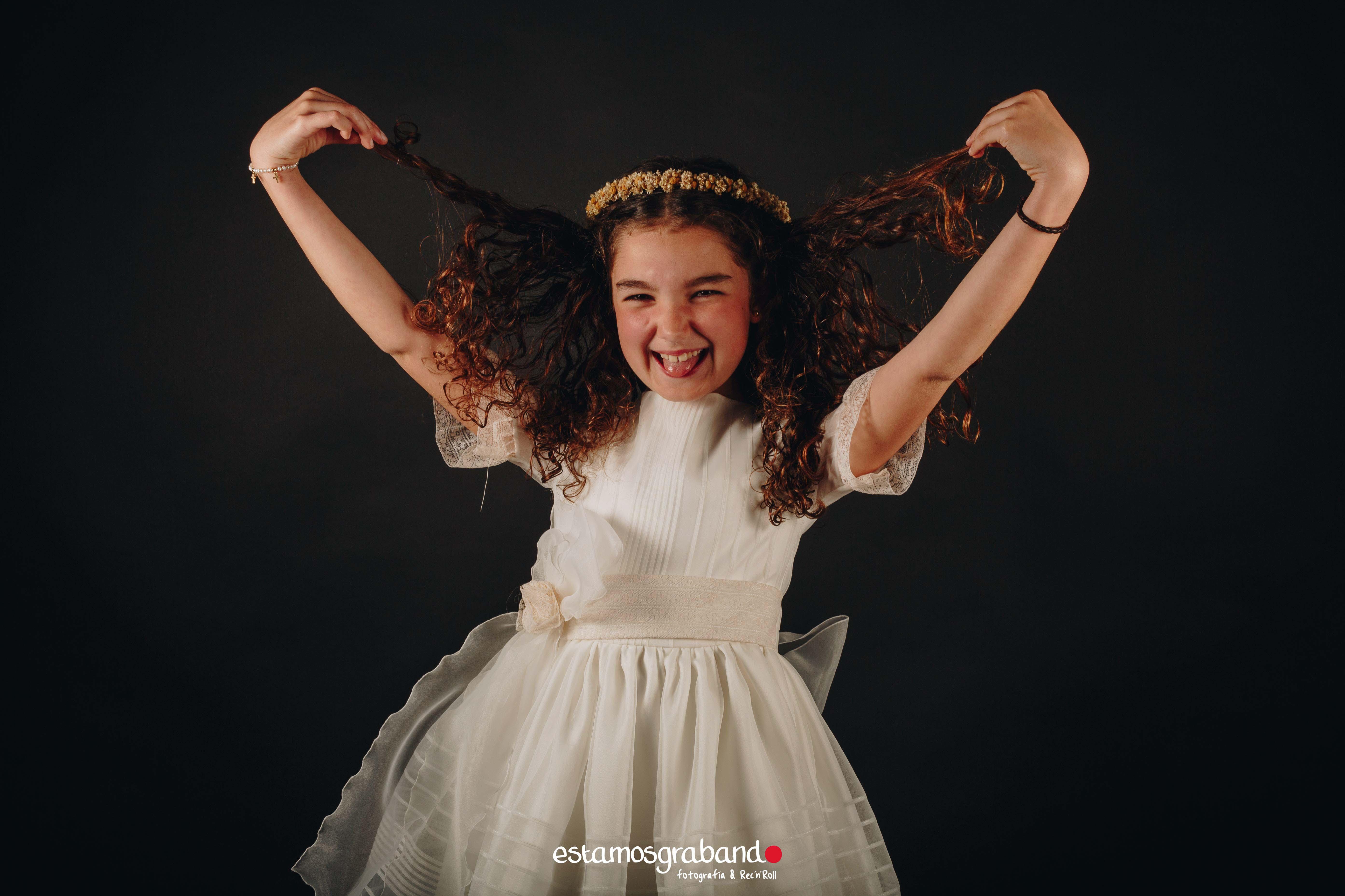 Adriana-8 La pequeña Adriana_Sesión de Comunión (Estudio) - video boda cadiz